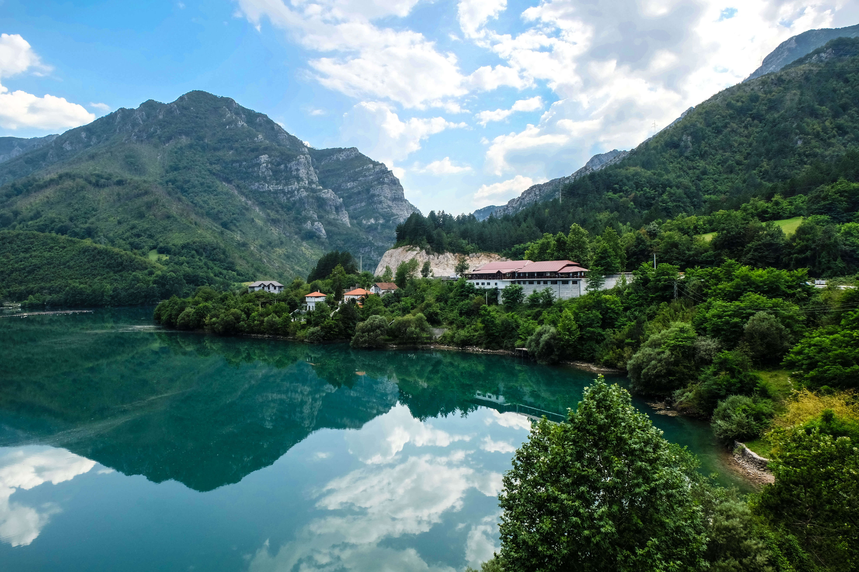 Bosna & Hercegovina